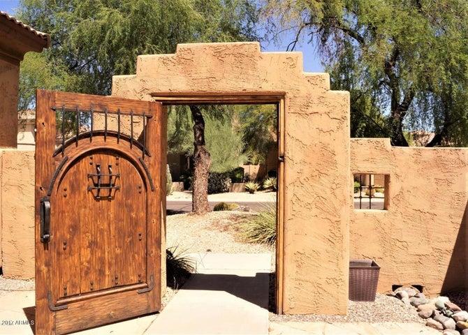 7657 E SANDS Drive, Scottsdale, AZ 85255