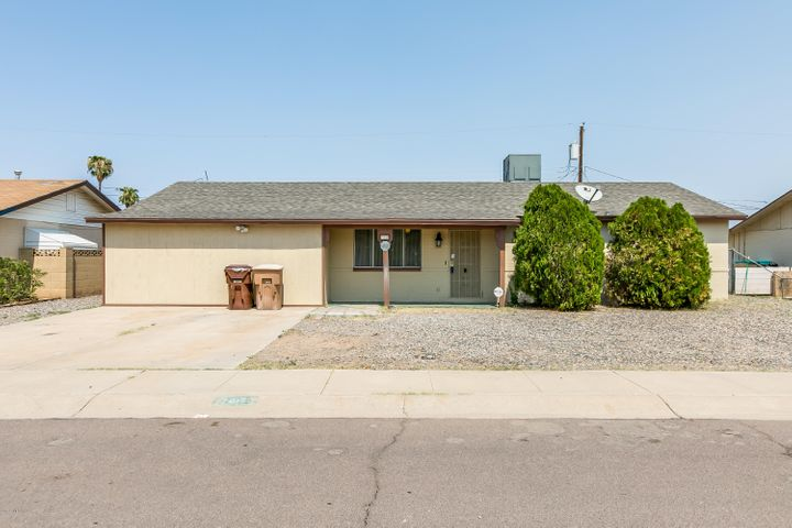 7438 W MERCER Lane, Peoria, AZ 85345