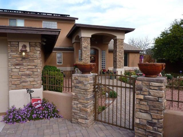4946 W BANFF Lane, Glendale, AZ 85306