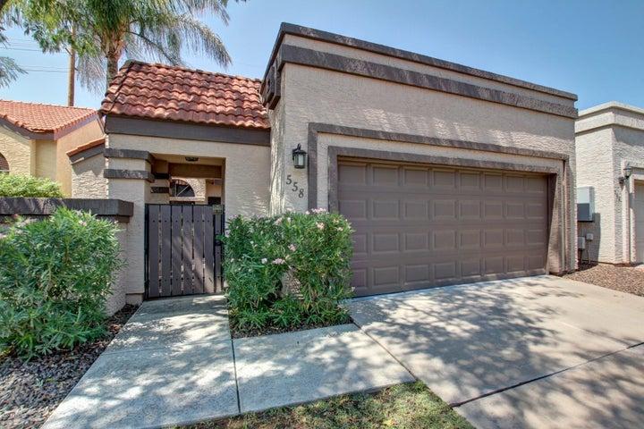 558 N ASPEN Drive, Chandler, AZ 85226