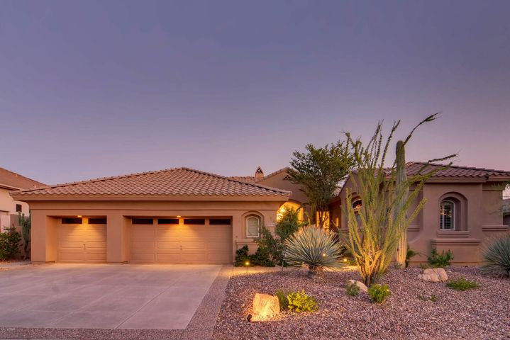 This 5 bedroom 4.5 bath home is situated on a premium view lot.