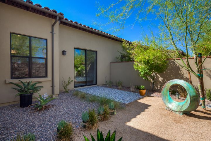 18650 N THOMPSON PEAK Parkway, 1005, Scottsdale, AZ 85255