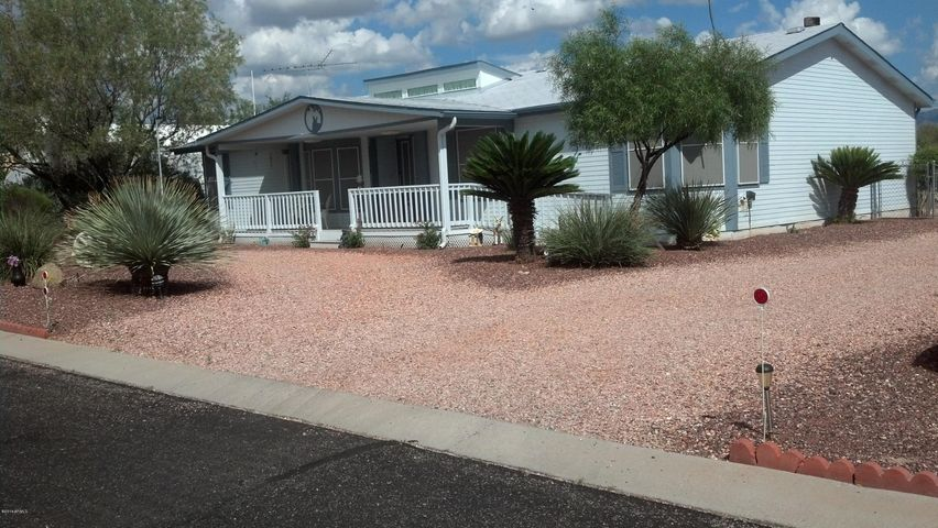 30579 S Fort Apache Drive, 122, Congress, AZ 85332