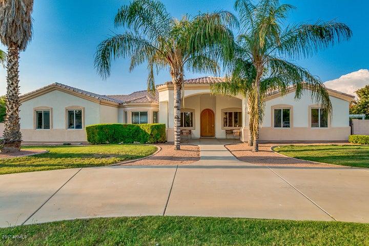 2128 E MAPLEWOOD Street, Gilbert, AZ 85297