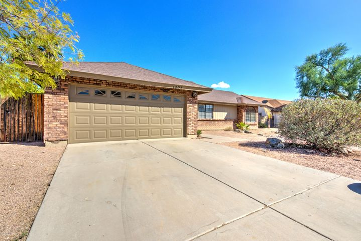 1205 N KENNETH Place, Chandler, AZ 85226