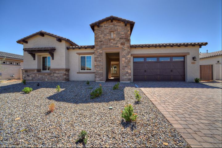 7599 S PENROSE Drive, Gilbert, AZ 85298