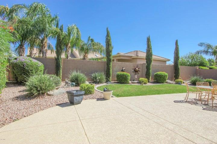 24413 S LAKEWAY Circle SW, Sun Lakes, AZ 85248