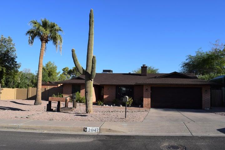 2047 E KAREN Drive, Phoenix, AZ 85022