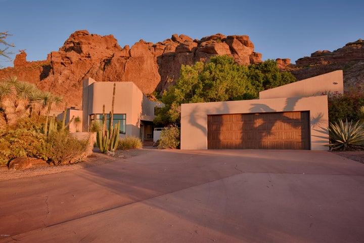 5611 N ECHO CANYON Circle, Phoenix, AZ 85018