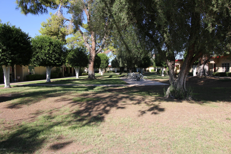 10040 W ROYAL OAK Road, B, Sun City, AZ 85351