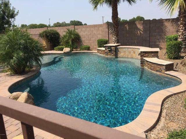 2750 E CAROB Drive, Gilbert, AZ 85298