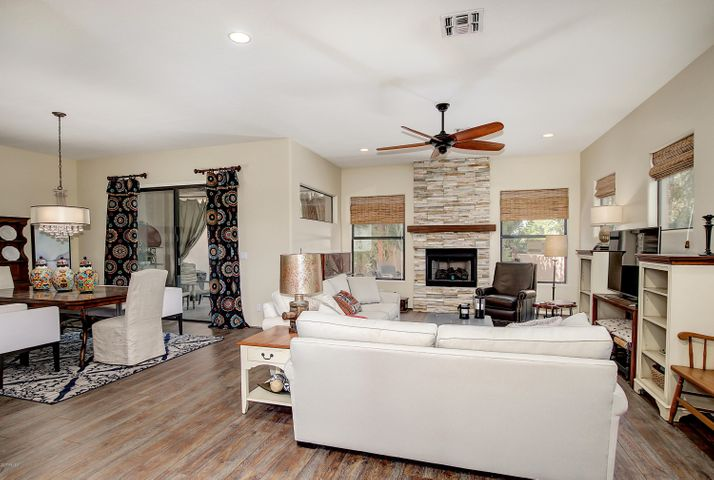 Open floor plan with plenty of windows to enjoy the natural light.