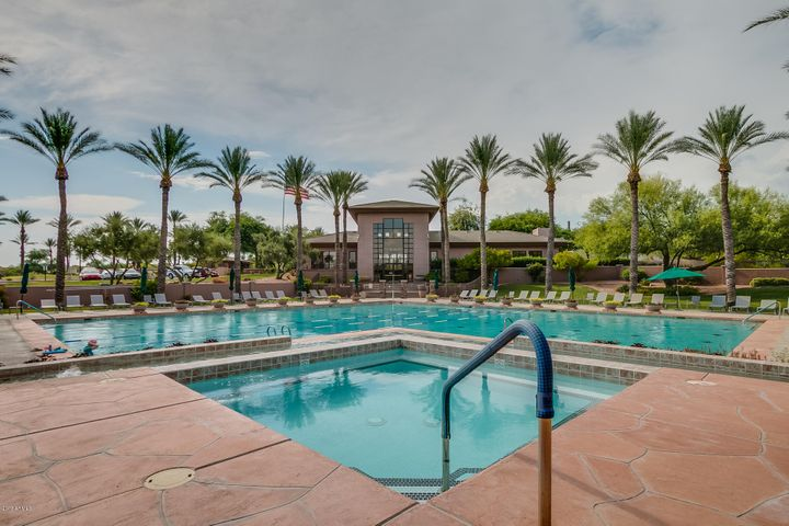WOW.. What a beautiful Community heated Pool & Spa