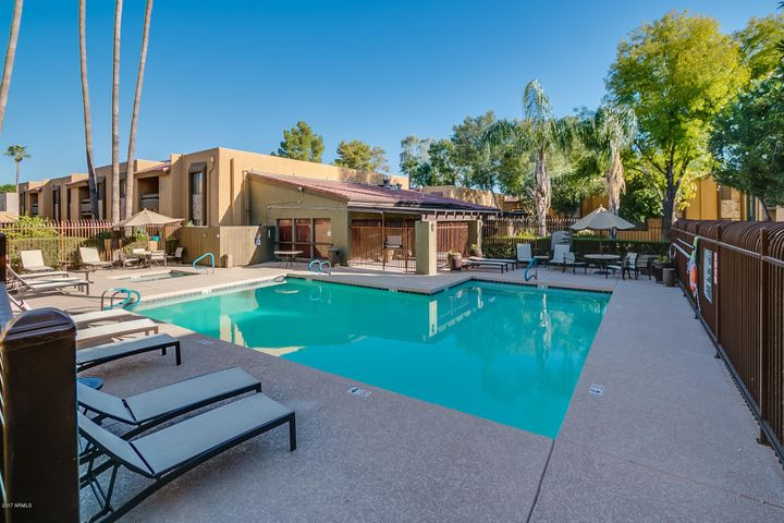 Amazing Location with heated pool in Prime Scottsdale