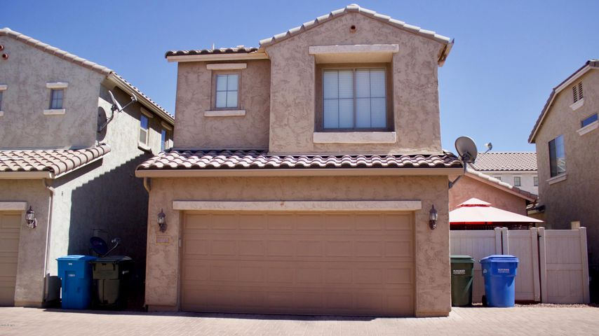 1941 W Faria Lane, Phoenix, AZ 85023