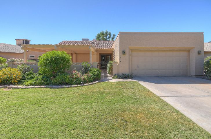 1336 Leisure World, Mesa, AZ 85206