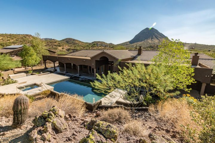 2616 W LAZY G RANCH Road, New River, AZ 85087