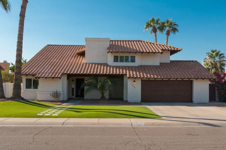 Oversized lot and worry free curb appeal