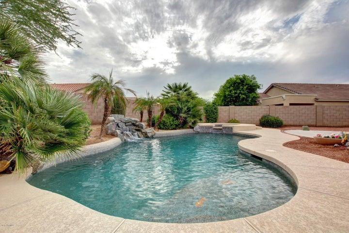 17567 W DESERT SAGE Drive, Goodyear, AZ 85338