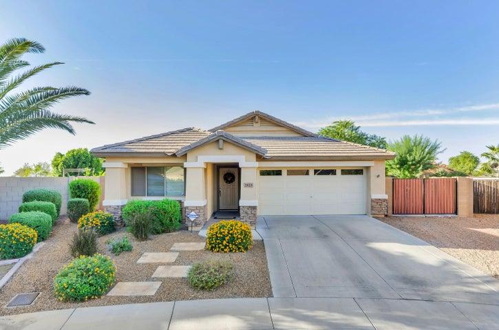 2823 E CHARLOTTE Drive, Phoenix, AZ 85024