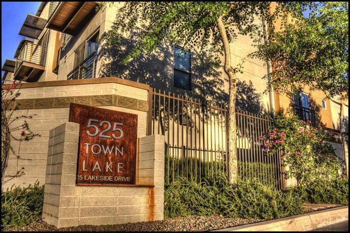 525 W LAKESIDE Drive, 128, Tempe, AZ 85281