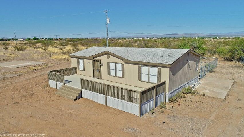 27527 N 221st Avenue, Wittmann, AZ 85361