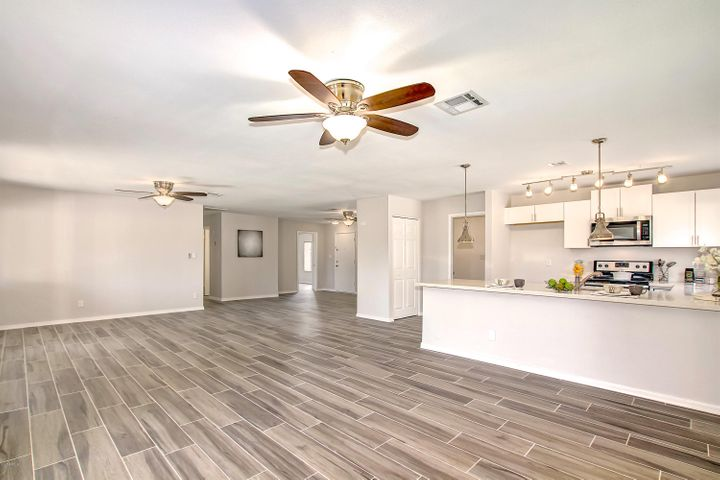 7503 S COLLEGE Avenue, Tempe, AZ 85283