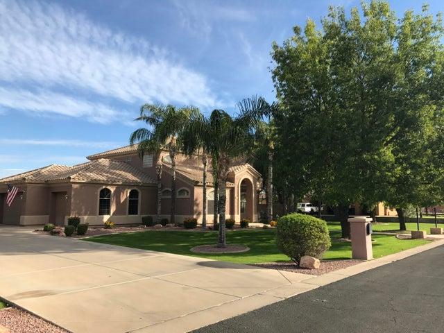2612 E RIDGEWOOD Lane, Gilbert, AZ 85298