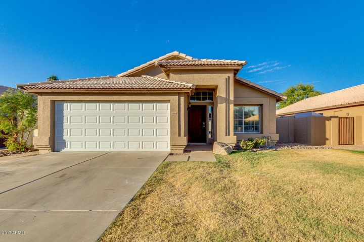 1054 W TREMAINE Avenue, Gilbert, AZ 85233