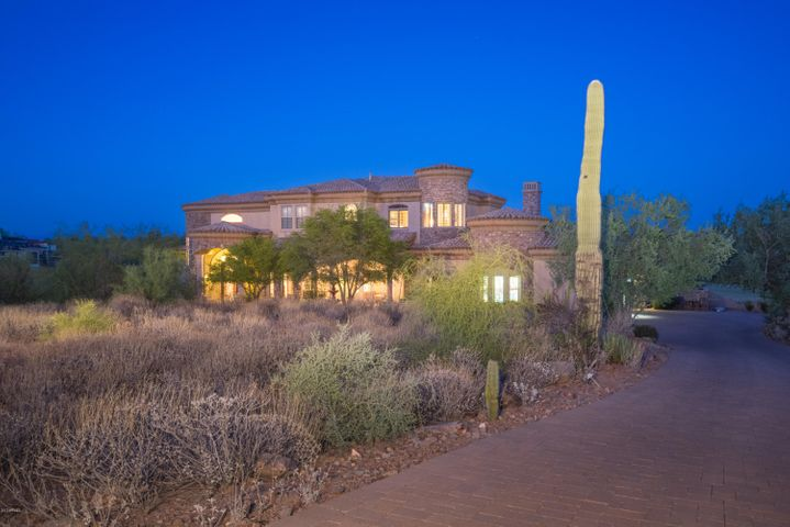 9225 N LAVA BLUFF Trail, Fountain Hills, AZ 85268