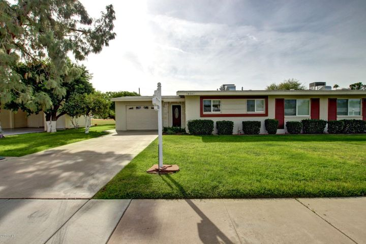 10241 W SNEAD Circle S, Sun City, AZ 85351