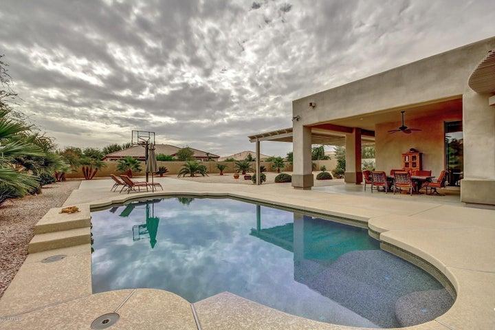 18323 W MONTEBELLO Avenue, Litchfield Park, AZ 85340