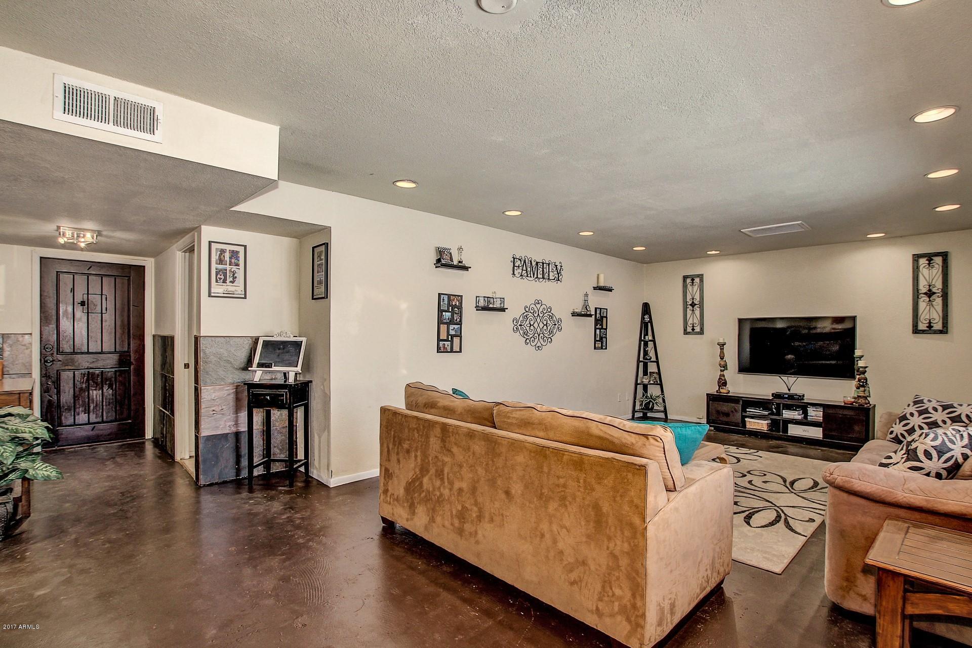 8716 E MITCHELL Drive, Scottsdale, AZ 85251
