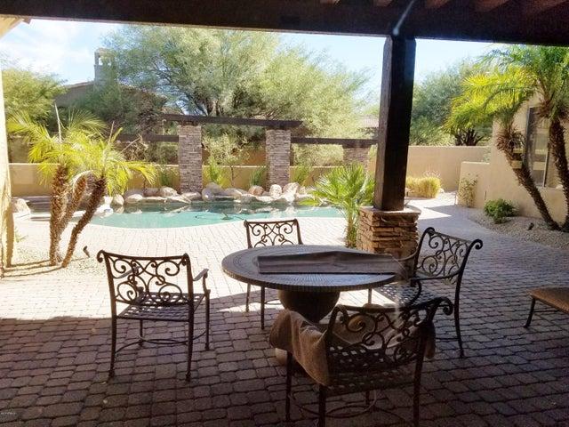 9402 E MONUMENT Drive, Scottsdale, AZ 85262