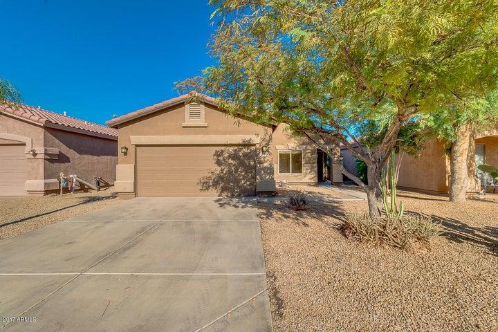744 E HORIZON HEIGHTS Drive, San Tan Valley, AZ 85143