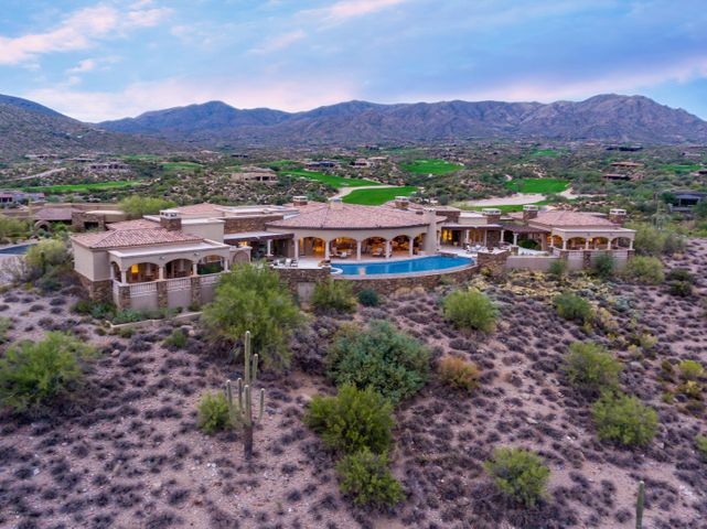 Luxury Hilltop Panoramic View Estate