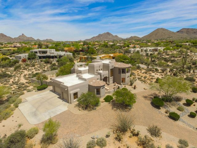 9414 E Calle De Las Brisas - Custom home on 1.15 acre view lot in North Scottsdale community of Pinnacle Peak Vistas