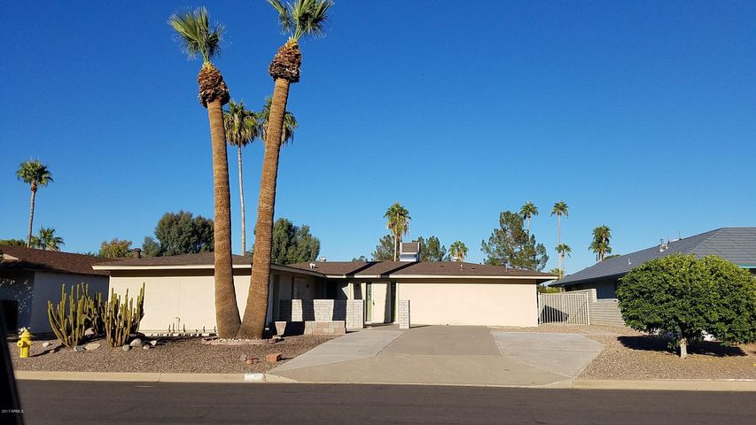 835 S REVOLTA Circle, Mesa, AZ 85208