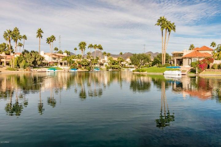 Showcase Lake Serena
