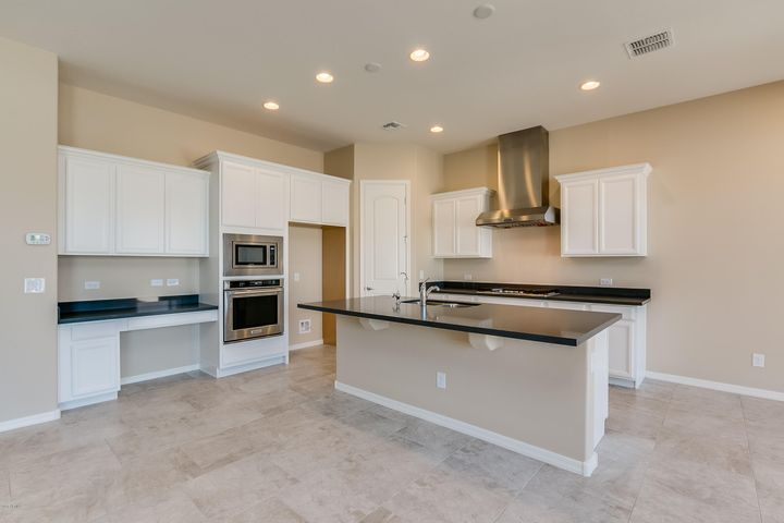 10398 W YEARLING Road, Peoria, AZ 85383