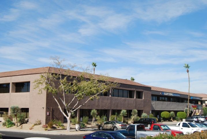 Suite windows facing I-17, building signage available