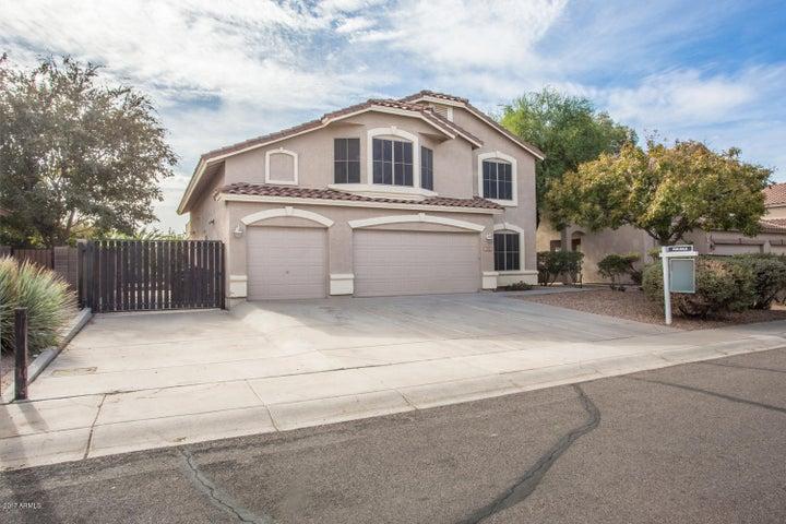 1381 E WINDSOR Drive, Gilbert, AZ 85296