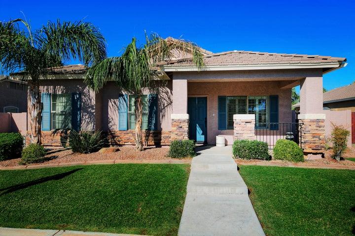 3742 S COACH HOUSE Drive, Gilbert, AZ 85297