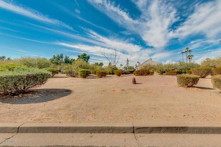 10242 N 58TH Street, Paradise Valley, AZ 85253