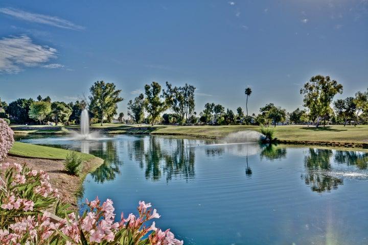 7401 W ARROWHEAD CLUBHOUSE Drive, 1084, Glendale, AZ 85308