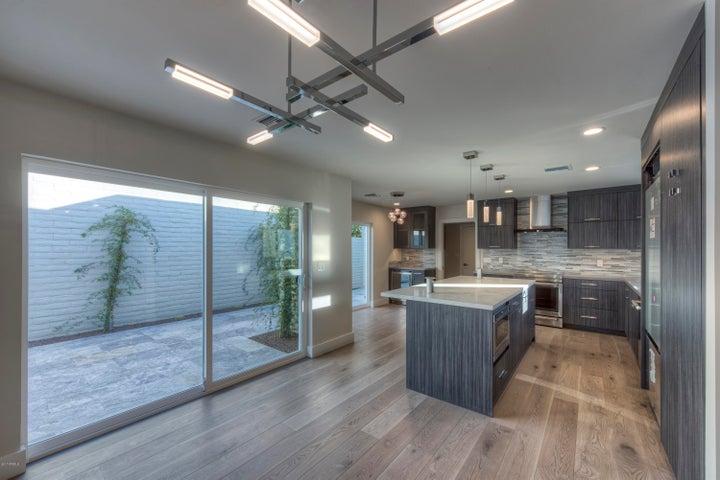 7358 E KRALL Street, Scottsdale, AZ 85250