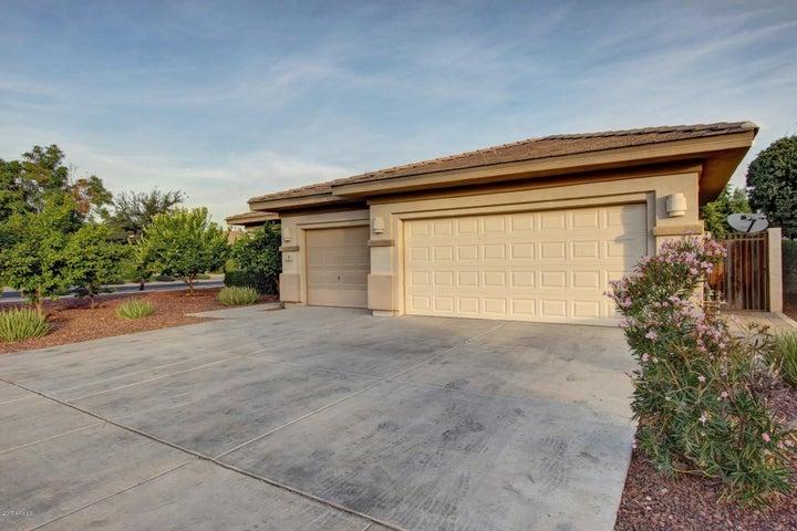 964 W ORCHARD Lane, Litchfield Park, AZ 85340
