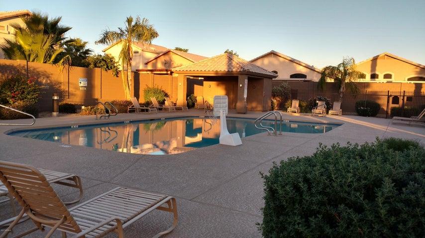 530 S 100TH Way, Mesa, AZ 85208