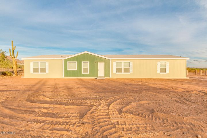 2958 W MCKELLIPS Boulevard, Apache Junction, AZ 85120