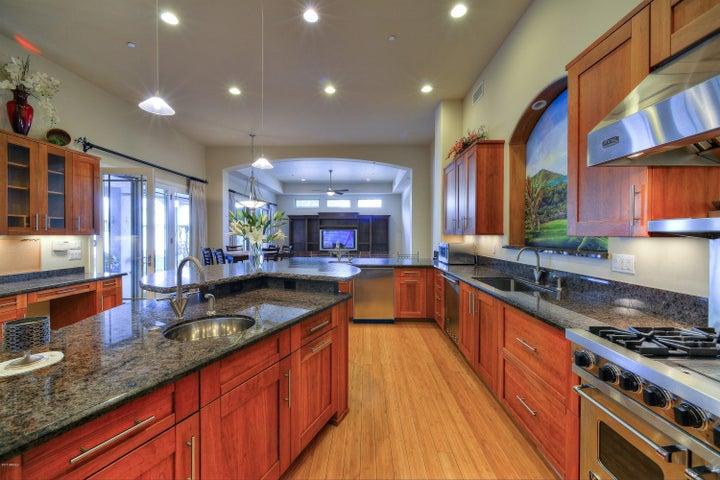 1750 E PALMAIRE Avenue, Phoenix, AZ 85020